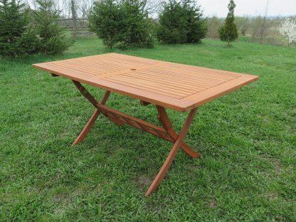Mithilfe seiner funktionalen Klappfunktion kann der Gartentisch Bradford platzsparend verstaut werden. Er kann wahlweise in 160 oder 200 cm Länge.
