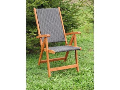 Klappstuhl Nottingham besitzt auf Sitz- und Rückenfläche ein wetterfestes Geflecht aus schwarzem Polyrattan. Der Rahmen ist aus Eukalyptusholz. 5-fach verstellbar und klappbar.