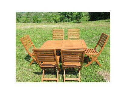 Der Tisch Dover und 6 Klappstühle Teneriffe ergeben zusammen ein sehr schönes Gartenmöbel-Set. Die Möbel sind aus geöltem Eukalyptusholz hergestellt.