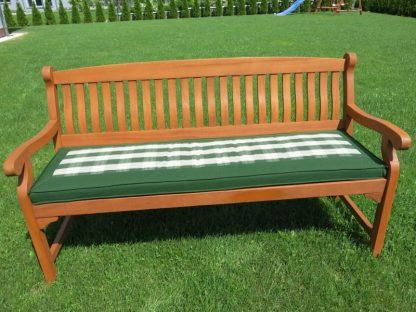 Für eine 3-Sitzer Gartenbank passt die 151 cm lange Wendeauflage. Die eine Seite ist uni grün und die andere ist grün kariert. Der Bezugstoff ist imprägniert und aus 100% Polyester.