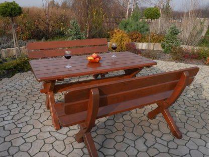 Gartentisch mit Bänken